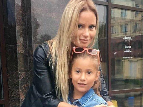 """""""С ноги в грудину"""": Дана Борисова рассказала, как ее избила дочь перед побегом из дома"""
