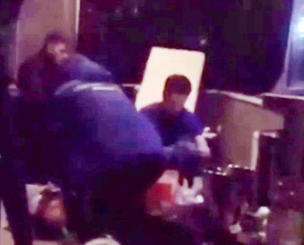 Появилось видео, как врачи пытаются спасти умирающего Децла