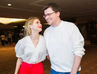 С мужем на прогулке: Асмус унизила Харламова издевательским фото