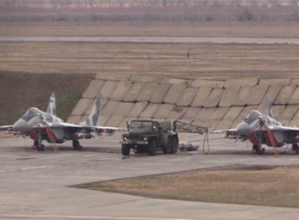 ВВС Украины провели боевые учения над Азовским морем (ВИДЕО)