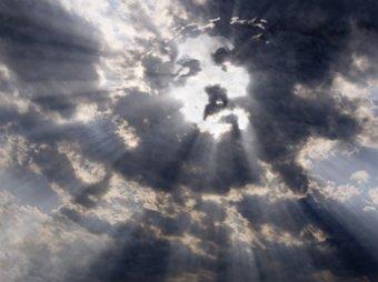 Предвестник Армагеддона?: В Италии в небе появился солнечный образ Иисуса Христа