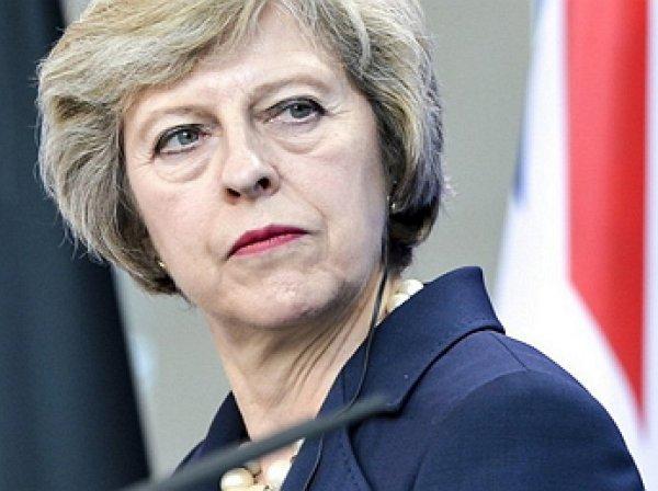 СМИ: Терезе Мэй грозит отставка