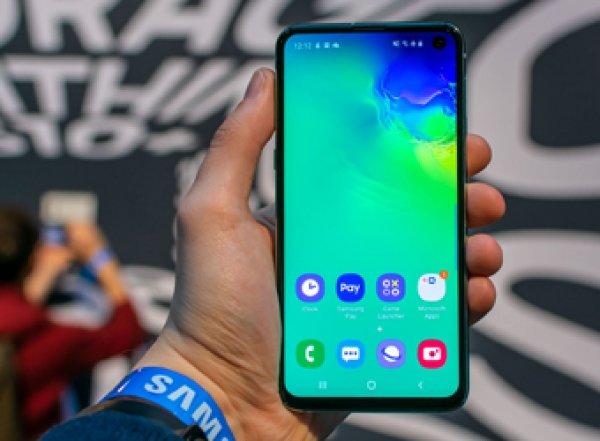 Samsung против Apple: Роскачество назвало лучшие смартфоны года