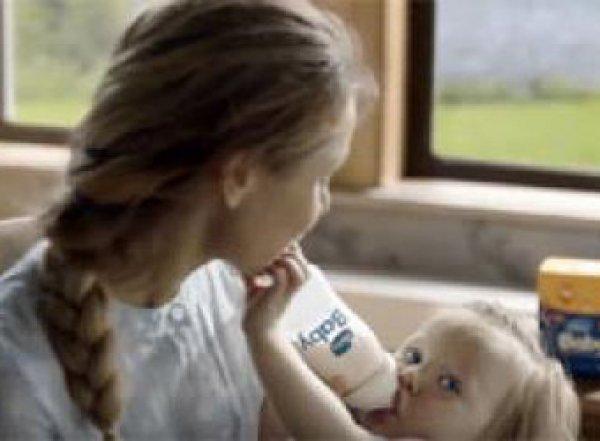 Госдума хочет запретить рекламу молочных смесей