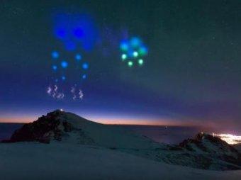 Нибиру атакует: Сеть потрясли загадочные вспышки в небе по всей России (ВИДЕО)