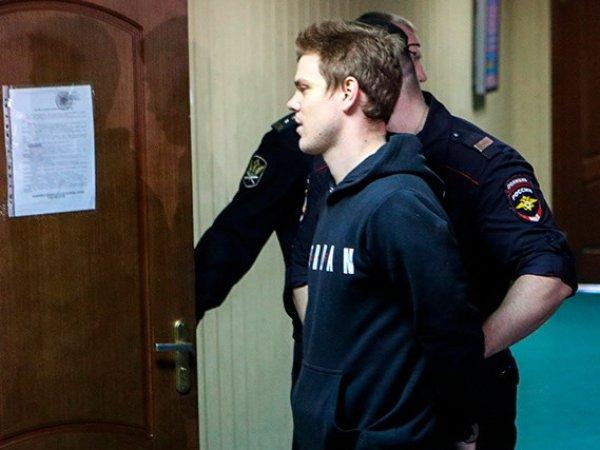 Раздобревший на тюремных харчах Кокорин заплакал в зале суда (ФОТО)