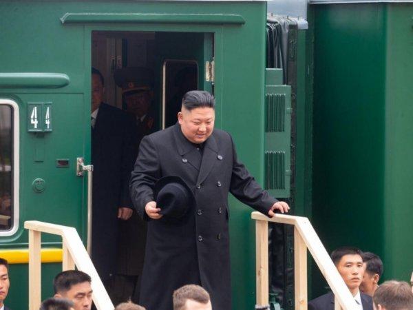 Опубликовано видео прибытия Ким Чен Ына на бронепоезде в Россию