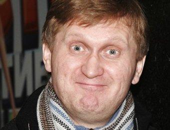 Я с малышом получаю по 20 тысяч в неделю: Рожков из Уральских пельменей раскрыл свои доходы (ВИДЕО)