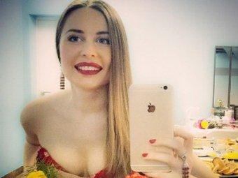 Звезда Уральских пельменей Юлия Михалкова вновь побаловала фанатов полуголым фото