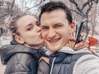 Мой бы убил за такое фото: полуголую Шурыгину разнесли за советы по семейной жизни