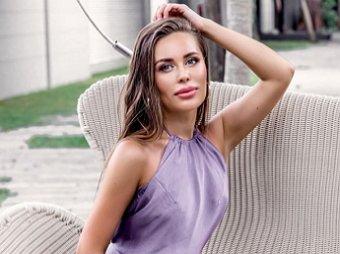 Какие они ням-ням: звезда Уральских пельменей Михалкова разгорячила Сеть идеальной формой груди