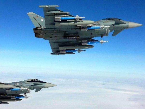 В небе над Германией столкнулись два истребителя (ВИДЕО)