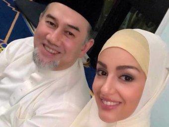 Мисс Москва Оксана Воеводина родила сына бывшему королю Малайзии (ФОТО)