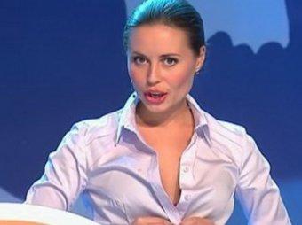Юлия Михалкова из Уральских пельменей произвела фурор, вновь засветившись на фото без белья