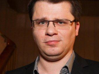 Ленин после ссылки в KFC: Гарик Харламов побрился налысо, шокировав фанатов (ФОТО)