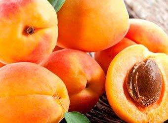 Диетологи назвали самый полезный летний фрукт
