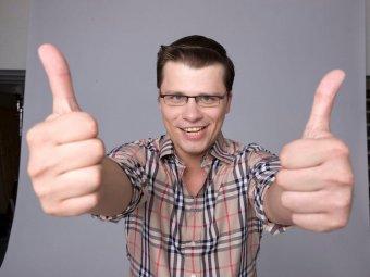 Неуместно и глупо: Харламов показал на видео, как выглядит классика Инстаграмма