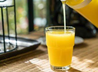 Медики заявили о смертельном вреде стакана сока в день