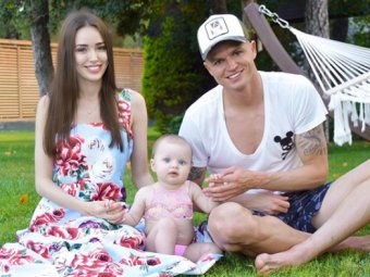Выглядит отвратительно: изуродовавшие дочь Костенко и Тарасов возмутили Сеть