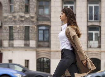 Ученые рассказали о норме шагов дляпродления жизни