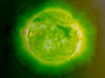 Гигантская Нибиру затмила Солнце: зловещее фото за неделю до конца света вызвало панику в Сети
