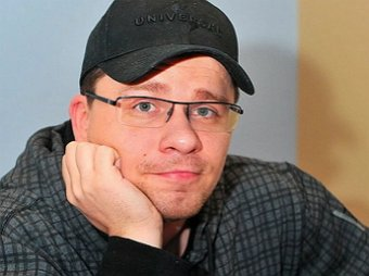 Прям по слогам слышу: Гарик Харламов взорвал Сеть перфомансом с немым криком Гузеевой