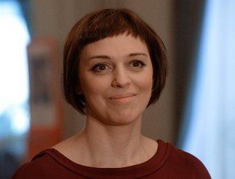 Катя Пушкарева из Не родись красивой постриглась налысо в поддержку Заворотнюк (ФОТО)