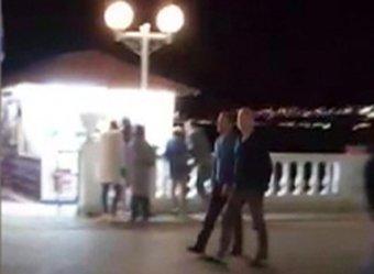Абрамович  и губернатор Кубани прогулялись по набережной Геленджика без охраны (ВИДЕО)