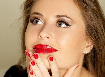 Больше ботокса: Михалкова из Уральских пельменей без макияжа ошарашила новыми губами (ФОТО)