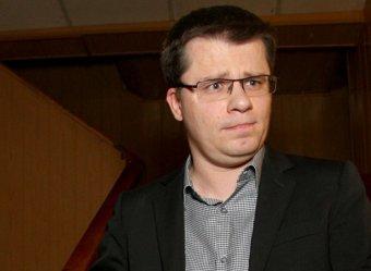 Струйная отдача: Гарик Харламов показал на видео итог несоблюдения первого правила пранкеров и троллей