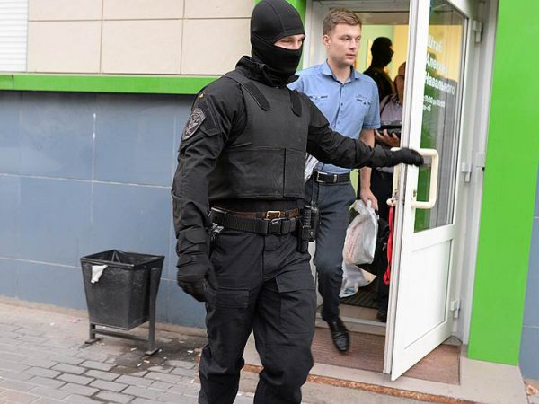 СМИ: к сторонникам Навального в 31 городе РФ пришли с обысками