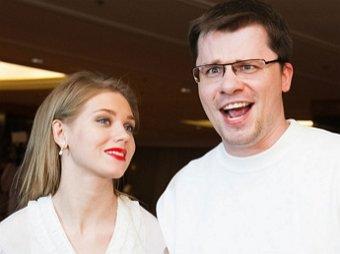 Стручок Бульдог Харламов: Асмус на всю страну опозорила супруга, назвав стоп-слова в сексе