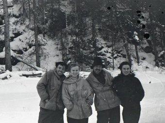 Блогер нашел доказательство убийства группы Дятлова на фото Зинаиды Колмогоровой