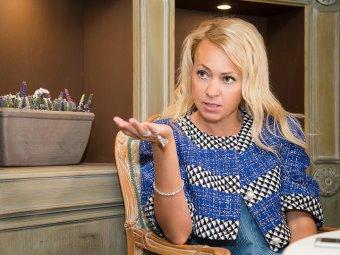 Рудковская померилась дорогими кольцами с победительницей Холостяка Клюкиной (ВИДЕО)