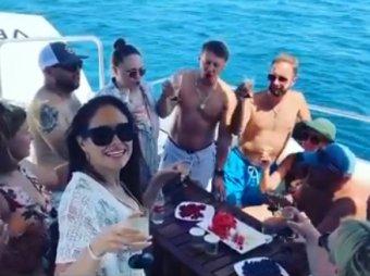 Можно смотреть бесконечно: Уральские пельмени устроили кутеж на яхте без Рожкова и Мясникова (ВИДЕО)