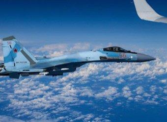 В Сеть слили видео с пролетевшим между гор в Крыму Су-27