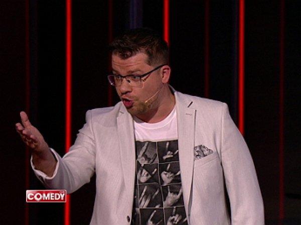 """""""И ты в помет соловьиный полез"""": Харламова разнесли за пародию на ток-шоу в Comedy Club (ВИДЕО)"""