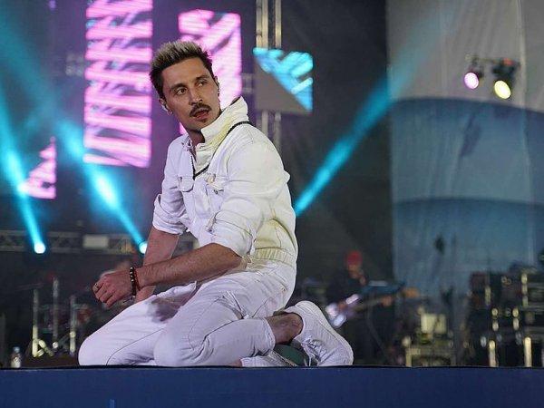 """СМИ рассказали, сколько стоил Билану """"пьяный"""" концерт в Самаре"""