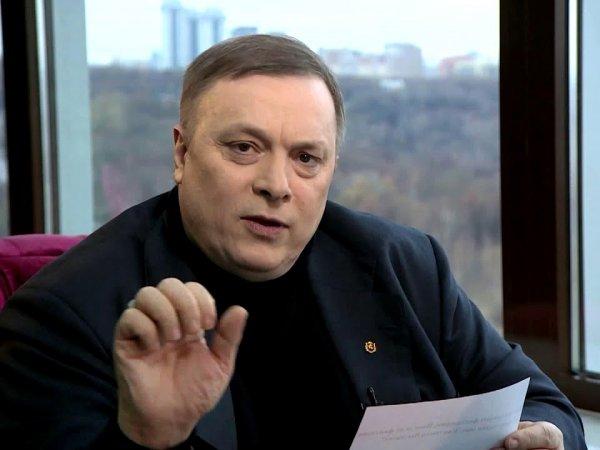 """""""Одни и те же рожи"""": Разин обвинил """"Первый канал"""" и НТВ в провокации против Зеленского и Путина"""