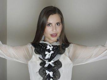 СМИ: Юлия Михалкова бросила Уральские пельмени ради богатого любовника (ФОТО)