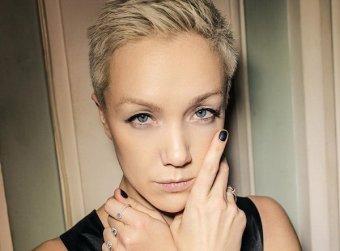 Отталкивающее зрелище: экс-жену Богомолова осудили в Сети за фото дочери с частями мужского тела