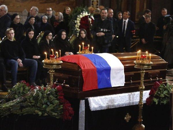 Похороны Лужкова: стало известно почему с экс-мэром Москвы простились в закрытом гробу (ФОТО)
