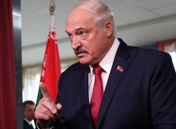 """""""Я не пацан"""": Лукашенко заявил, что не уложит Беларусь в """"ящик с крестом"""" в угоду России"""