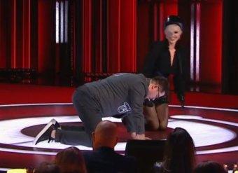 Встань рачком: известная певица унизила Харламова на глазах Асмус в Comedy Club (ВИДЕО)
