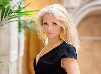 Экс-жена Дмитрия Пескова устроила обнаженную фотосессию в пику Собчак (ФОТО)