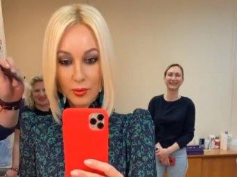 Избавилась от жутких балконов: Кудрявцева появилась на ТВ после удаления имплантов (ФОТО)