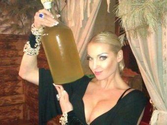 Видео с пьяной Волочковой утекло в Сеть