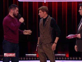 Чемпион по боксу заставил извиниться напуганных Харламова и Волю в Comedy Club (ВИДЕО)