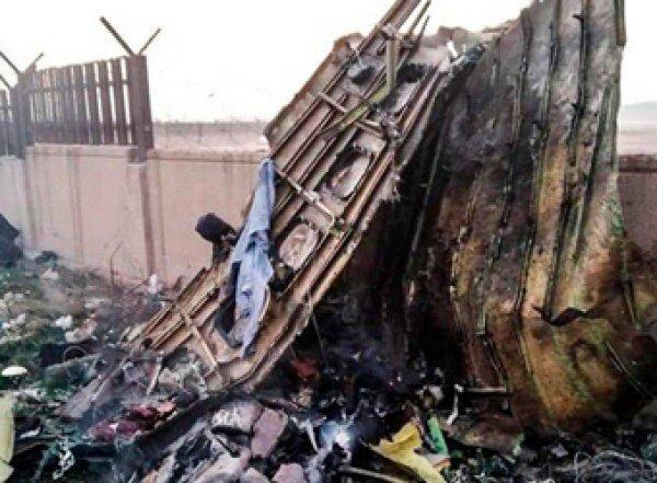 Украинский Боинг, разбившийся в Иране, сгорел в воздухе