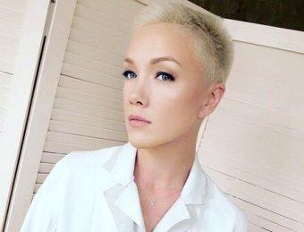 Инопланетянка!: экс-жена Богомолова снялась топлес для журнала (ФОТО)